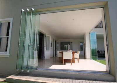 Majestic_Glass_Sliding_Folding_Doors_00050